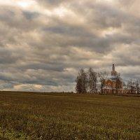 Сельская церковь. :: Валерий Молоток