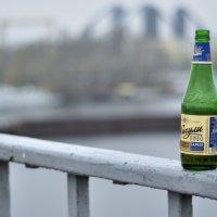 Взгляд бутылки пива на окружающий мир... :: Roman Globa