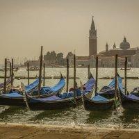 А я в Венецию хочу, где гондольеры! :: Вячеслав Филиппов