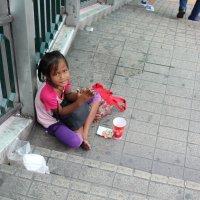 Бангкок, нищая девочка :: Владимир Шибинский