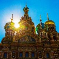 Божественный свет :: Александр Неустроев