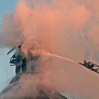 Сегодня горел дом Адмирала Лазарева в Кронштадте :: Тата Казакова