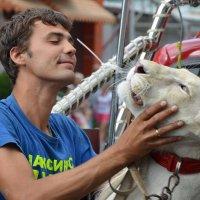 Цирк выходит на улицы Анапы :: Константин Жирнов