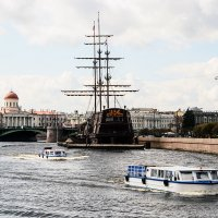 Речная флотилия :: Valerii Ivanov