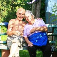 Бабушка радышком с дедушкой! :: Анна Кузнецова