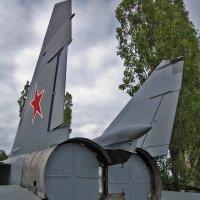 Миг-25. Вид сзади. :: Павел Зюзин