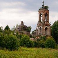 Заброшенная церковь :: Евгений Barash