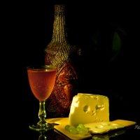 С сыром и вином :: Виктор Филиппов