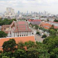 Бангкок. Вид с парапета храма, стоящего на холме :: Владимир Шибинский