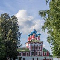Храм Дмитрия на крови в Угличе :: Валерий Смирнов