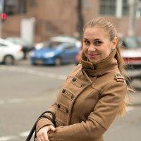 Прогулка в городе :: Olga Yovenko