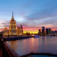 Гостиница Украина. :: Роман Полианчик