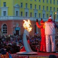 Олимпийский огонь в Норильске. 07.11.13г. :: Андрей Кийко