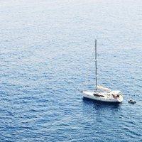Одинокая яхта. :: Katherine Filts