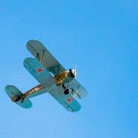 У-2 в небе над Самарой. :: Владимир Клещёв