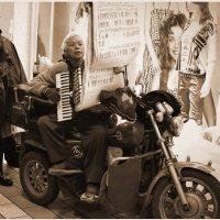 Импровизированный концерт на улице Нан- динь :: Андрей Фиронов