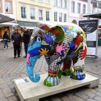 слоник на улице :: Геннадий
