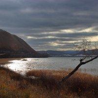 Божественное озеро у хр. Каратаг. :: Наталья Юрова