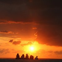 встречать рассвет на море :: Максим Должанский