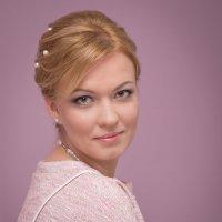 Девушка в розовой тональности :: Алексей Соминский