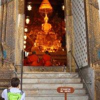 Бангкок. Храм. Входа нет :: Владимир Шибинский