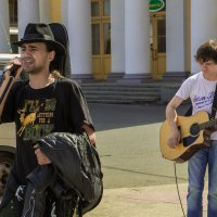Уличные музыканты. :: Сергей Исаенко
