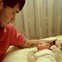 Брат с сыном,первая встреча дома. :: Иван Петрунин
