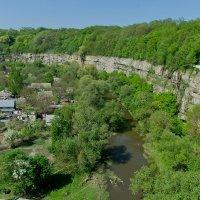 Вид с моста на каньон, окружающий старый город в Каменце-Подольском :: Александр Крупский