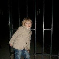 Демонстрация модели детского пальто :: Людмила Старченко