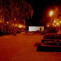 ночная Тула, сквер тулякам-героям :: Александр Козлов