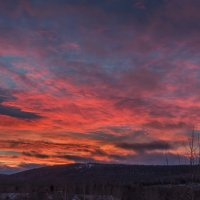 Вот такой пурпурный закат сегодня у меня из окна :: Вячеслав Овчинников