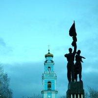 памятник комсомолу :: евгений Смоленцев