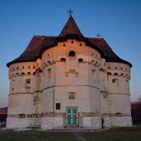 Церковь - крепость :: Сергей Токалюк