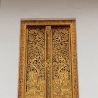 Бангкок. Золотое окно :: Владимир Шибинский