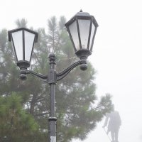 Туман в городе :: Константин Бобинский