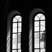 Монастырские окна :: Татьяна Хохлова