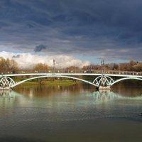 Поздняя осень в Царицыно. :: Юрий Шувалов