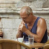 а кто обещал бросить курить? :: Владимир Матва