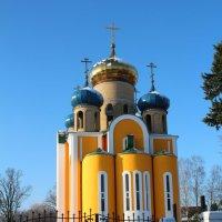 Дорога к храму нелегка... :: Людмила Жданова