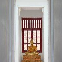 Бангкок, железный храм, коридор :: Владимир Шибинский