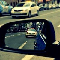 И куда-то всё спешат такси... :: ROMARIO COOPER