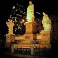 Памятник Ольге (княгине Киевской) :: Ростислав