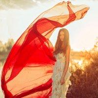 Любовь, красота, нежность и забота - всё это самая настоящая женщина. :: Ольга Халанская