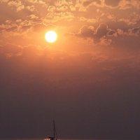 По солнечной дорожке... :: Александр Гризодуб