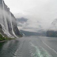 Норвегия. Гейрангер-фьорд. Вид на водопад Семь сестёр :: Юрий Цыплятников