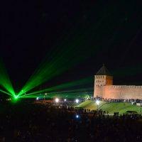 Лазерное шоу в Великом Новгороде :: Константин Жирнов