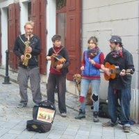 Музыка в Старом городе. :: Фидель Некастро