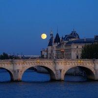 Парижская луна :: Андрей