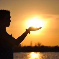 Солнце на ладони :: Ксения Ерофеева