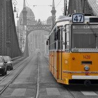 Будапешт_трамвай на мосту через Дунай :: Андрей Попович